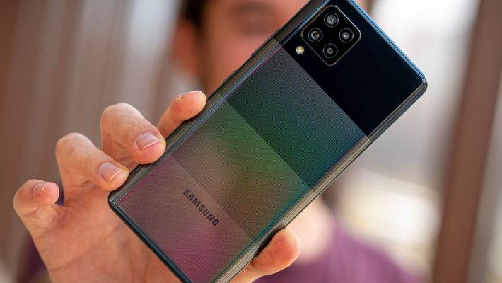Samsung официально представил модель Galaxy M62