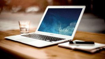 Какая фирма ноутбуков самая лучшая?