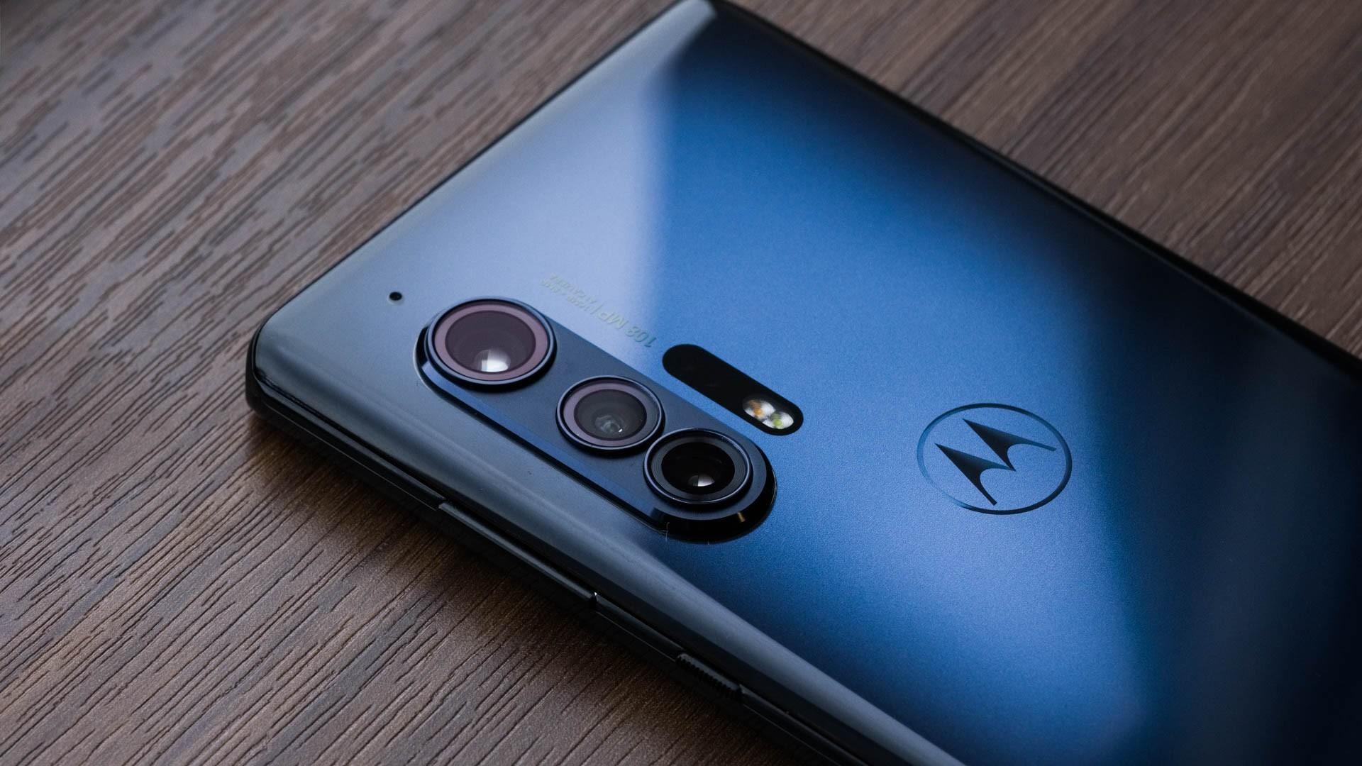 Задняя панель Motorola Edge S